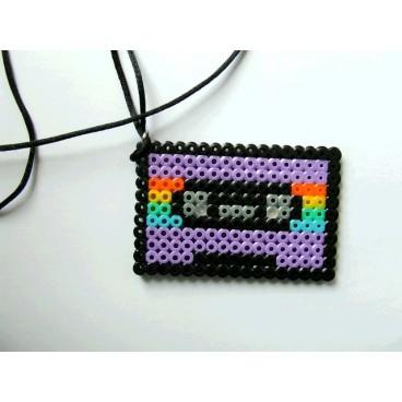 Cassette pixel-art 1 colgante