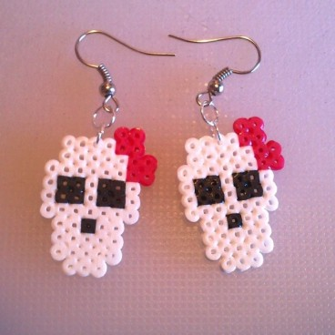 Pendientes calaveras monster high pixel-art