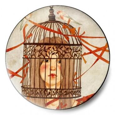 cabeza mujer en jaula