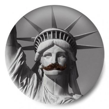 estatua libertad mostacho